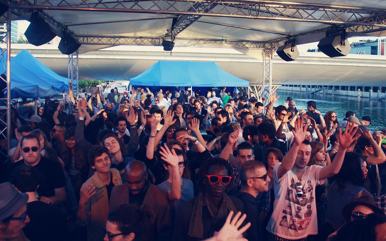 Ra concrete paris nightclub for Lg store paris