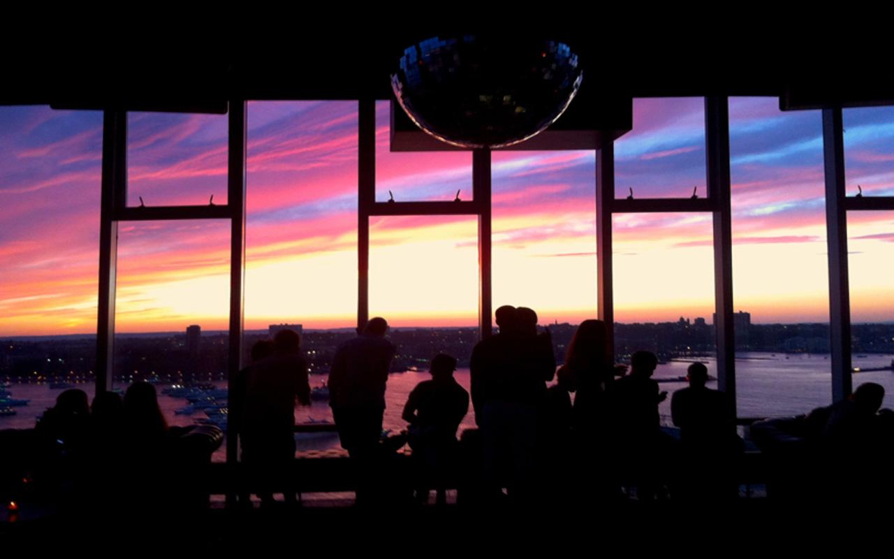 Ra le bain new york nightclub for Bain new york