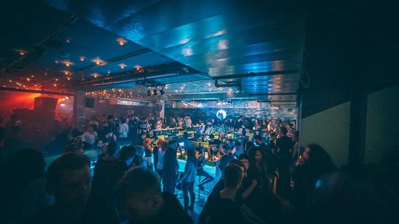 mona club berlin