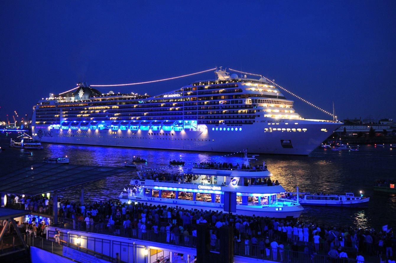 Ra Mdrnty Cruise At Genoa Port North