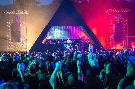 Japan's Rainbow Disco Club  12-hour live stream with DJ Nobu, Kenji Takimi, Yoshinori Hayashi, Licaxxx, CYK, machìna, Sisi and more ile ilgili görsel sonucu
