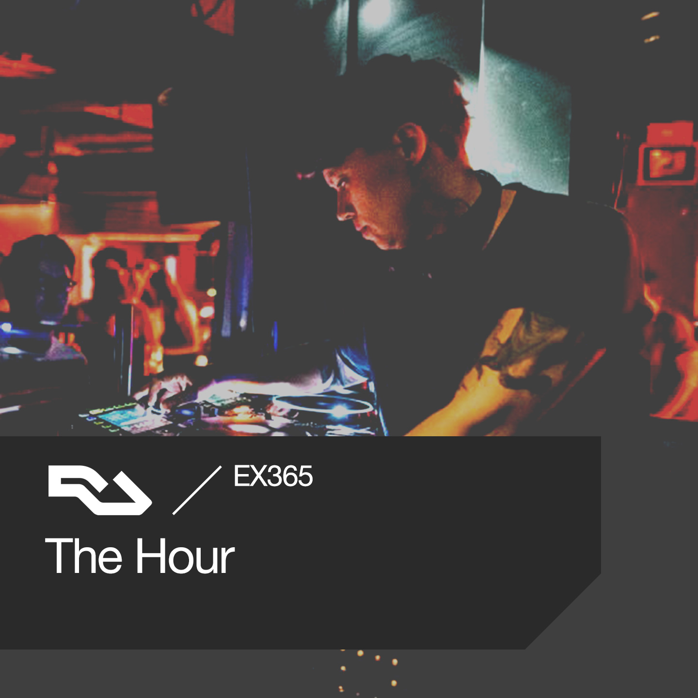EX.365 The Hour: DJ's opening tracks, Jeff Mills, Macao