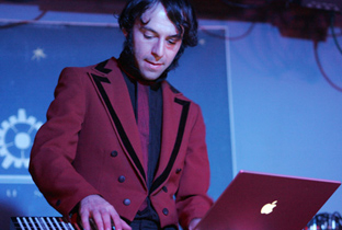 Download Daedelus songs