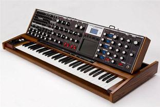 RA Reviews: Moog Music - Voyager XL (Tech)